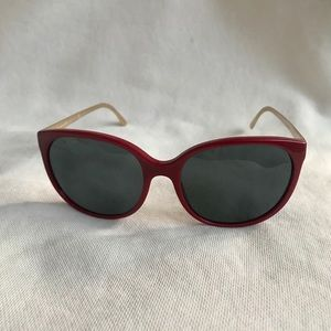 NWT Authentic Burberry red frame ❤️ sunnies 😎